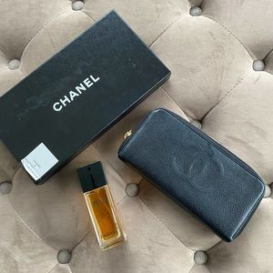 CHANEL Caviar Small Timeless Zip Around Wallet